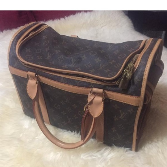 59b9ddf019b Louis Vuitton Handbags - 💯 Authentic Louis Vuitton Dog Carrier 40!